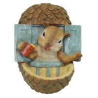 """Remeko / Figure garden mounted feeder """"Squirrel in the window"""" L16W12H21cm"""