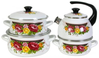Set tableware Roses for cooking