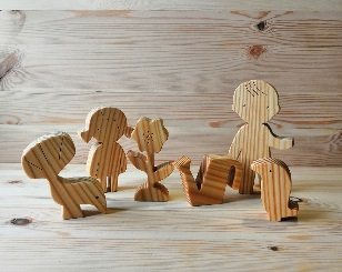 The wooden toy set