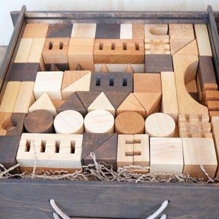 "Bug / ""Set of wooden building blocks"""