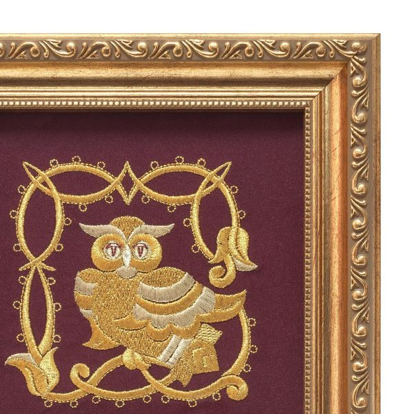 Panel 'Owl' Burgundy with gold embroidery