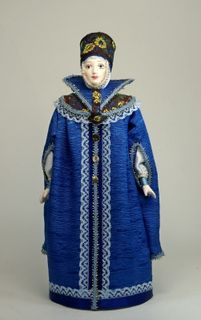 Doll gift porcelain. Boyarynya in traditional clothes: telogia and street hat. 16 - 17th century Russia.
