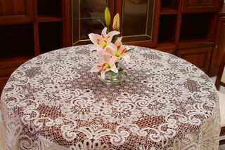 Lace tablecloth round diameter 205 cm