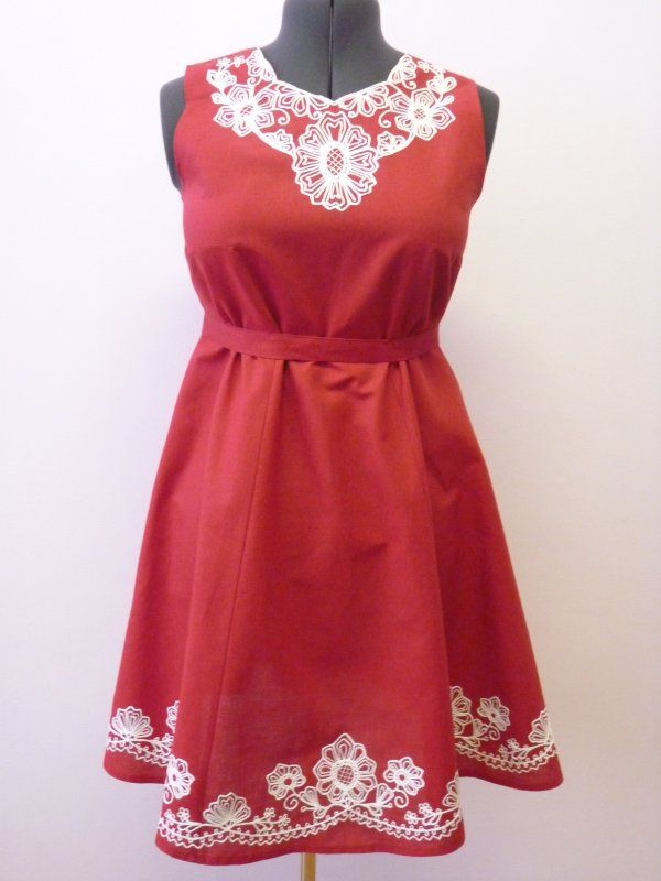 Sleeveless dress Karelian patterns