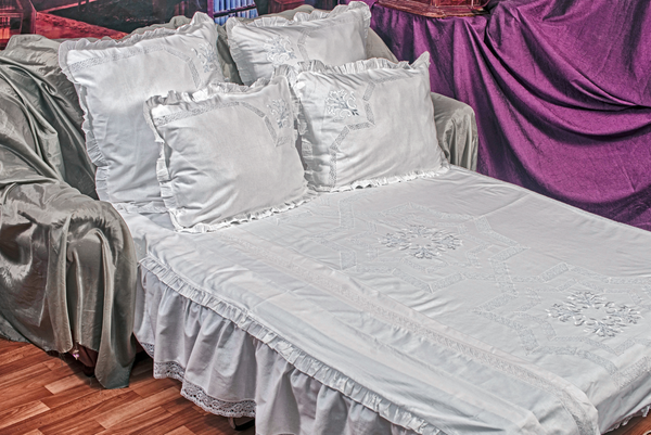 Set of bed linen lace made of cotton with embroidery