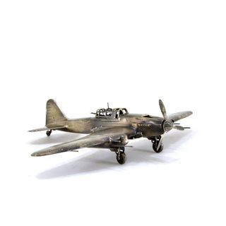 The model of Soviet attack aircraft Il-2 1:72