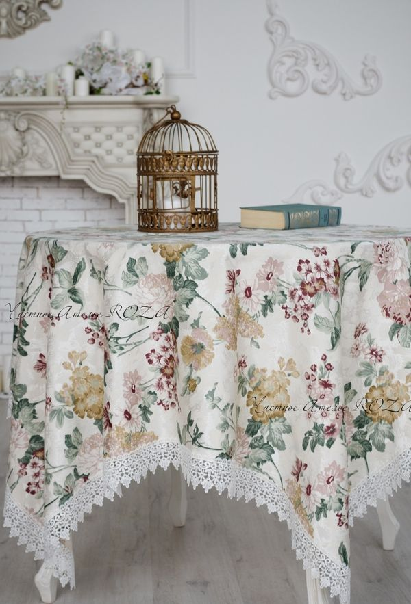 Tablecloth with lace veil