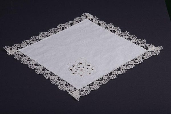Napkin 'Spring' with cutwork and handmade lace