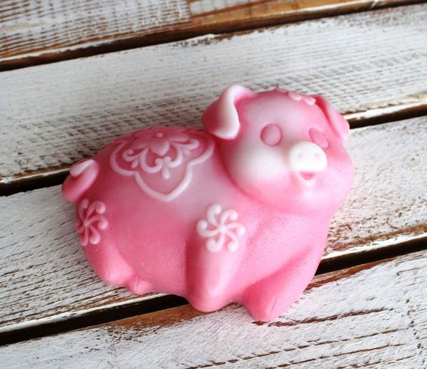 Handmade soap Merry Pig mix of flowers and aromas