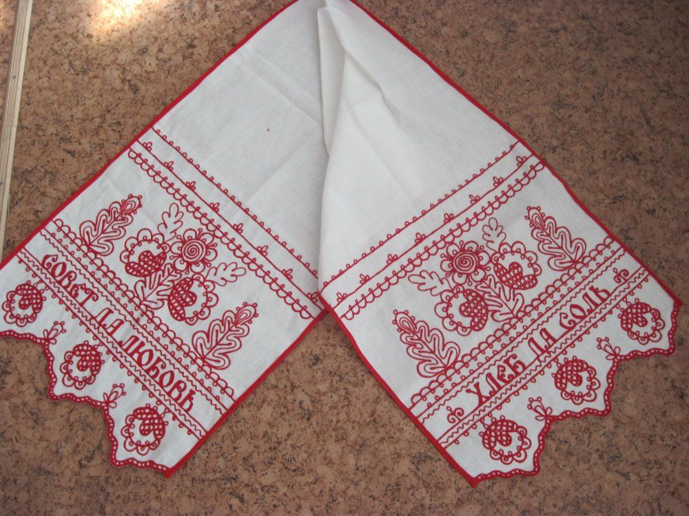 "A towel of white linen ""Tree"" Karelian patterns"