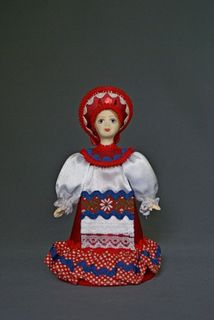 Doll gift porcelain. The girl in the Belarusian suit (styling). the beginning of the 20th century