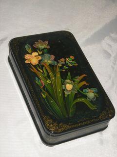 """Palekh lacquer miniature. Casket """"Irises"""""""