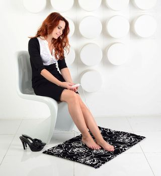 Rug with infrared heating