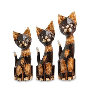 A set of figures of a Cat tree