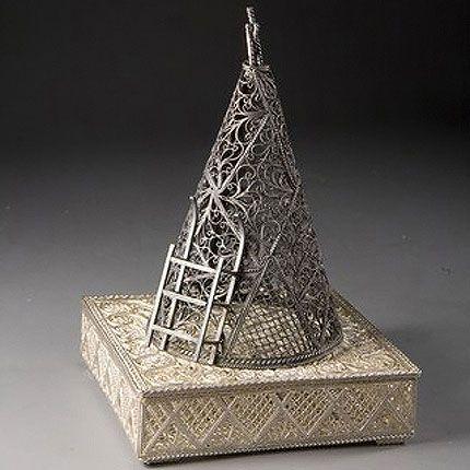 Kazakovskaya Filigree / Northern souvenir with silver plated box