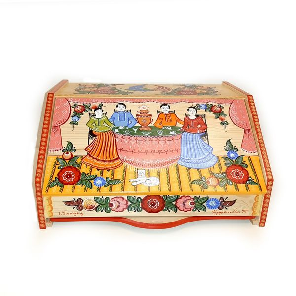 Gorodets painting / Painted wooden bread box with a board
