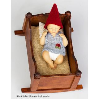 Birgitte Frigast / Porcelain doll Baby Bloome in a cradle, 10 cm