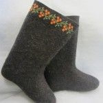 Boots with embroidery  Rowanberry Pattern (PB)