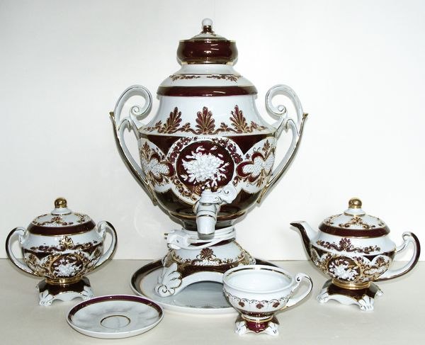Delta-X / Porcelain electric samovar model 6 with tea pairs