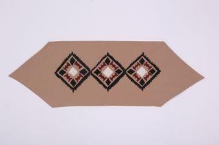 LA`AL Textiles / Path to the coffee table, beige (b)