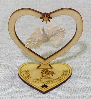 The bird of happiness wooden stand heart