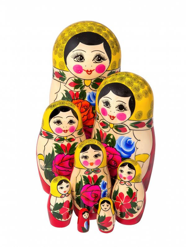 Traditional 8-doll matryoshka