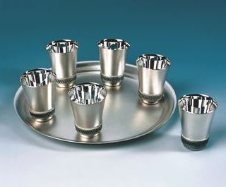 Gift set for wine # 6 out of 7 pieces (6 cups and tray) coating silver