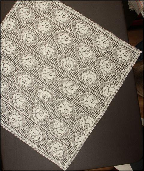 The machine made lace napkin 50x50 cm