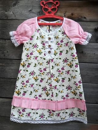 Baby dress with sleeves