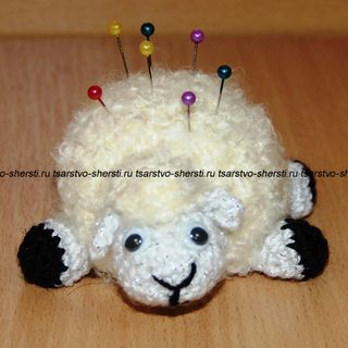 Sheep - a souvenir needle case