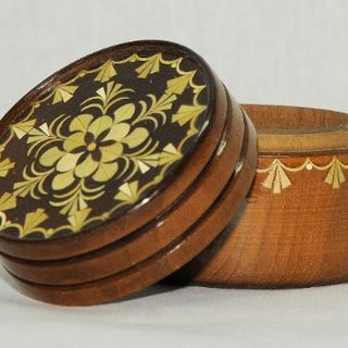 Box souvenir inlaid wood, Vyatskiy souvenir