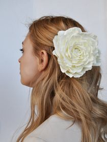 Hairpin-brooch rose ivory