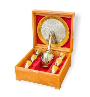 Souvenir cognac set of zirconium 'FIRM' in a gift box made of wood
