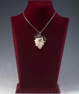 GRAPE CREATIVE pendant from mammoth tusk