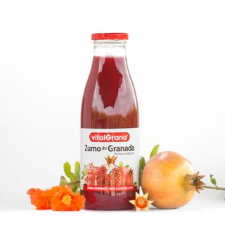 Pomegranate juice 100% natural without added sugar