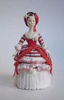 Souvenir doll-box - Lady white with red