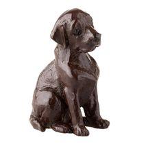 The sculpture of chocolate 'Labrador'