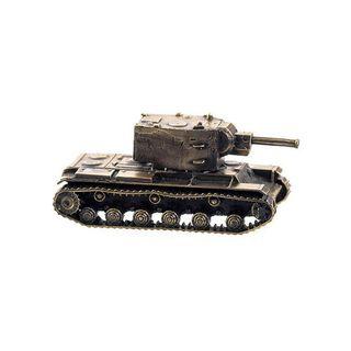 The model of the tank KV-2 1:100