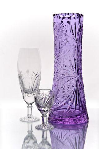 "Crystal vase for flowers ""Muse"" light purple"