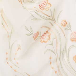 "Tippet ""Rose petals"" beige with silk embroidery"