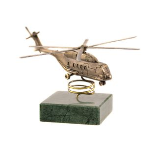 Model helicopter MI-38 1:144 on natural stone