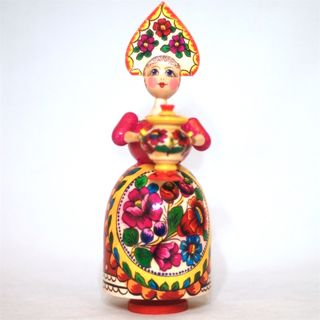 Lady in red with a samovar music polkhovskiy Maydan