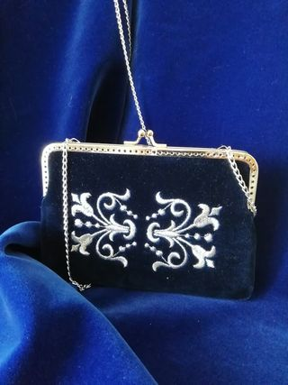 "Velvet handbag ""Pattern"" embroidery with silver thread"