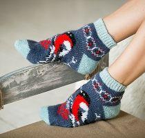 Short knitted socks