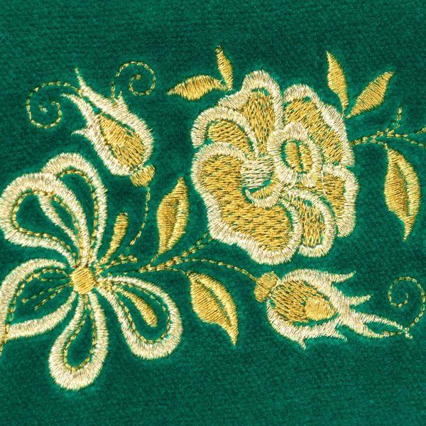 Velvet eyeglass case 'Tea rose' green with gold embroidery