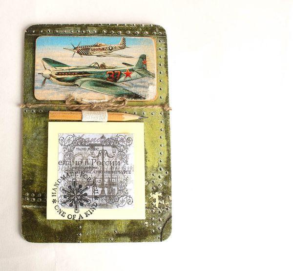 Fridge magnet for a pilot with a recording unit