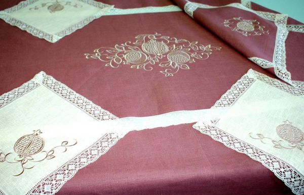 Set of table linen 'Pomegranate'