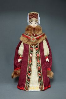 Doll gift porcelain. Boyarynya in the swing telogia. 16th-17th centuries Russia.