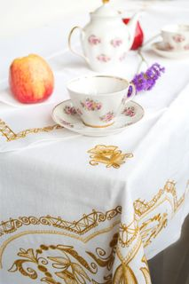 Tablecloth and 12 napkins Luxury white embroidery floss