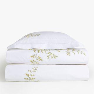 Bedroom set: blanket, sheet, pillow, pillowcase